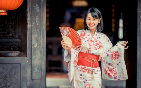 Asian Beauty - girl, Asian, Japan, beauty, smile, fan, kimono