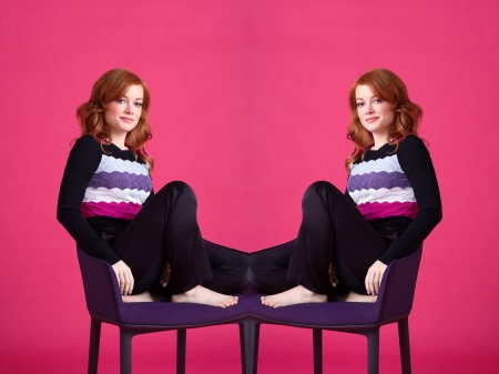 Jane Levy - model, beautiful, pants, sweater, actress, Levy, feet, wallpaper, 2020, hot, Jane Levy, chair, Jane, blend