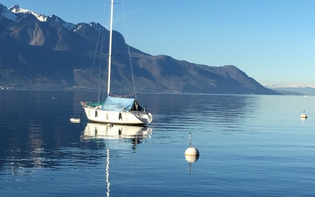 Yacht on Lake Geneva - sailboat, yacht, Geneva, lake, Switzerland