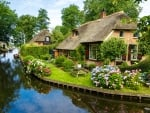 Giethoorn - the small Venice of the North