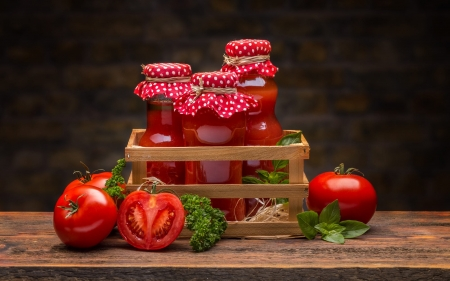 Tomato Juice - crate, tomatoes, juice, wooden, red