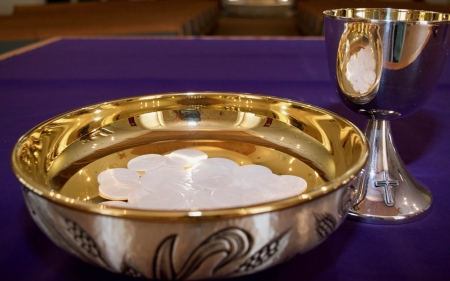 Eucharist - Eucharist, gold, altar, dishes