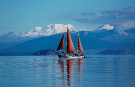 sailing on a lake - lake taupo, mount, ngauruhoe, ruapehu, sailing, tongariro