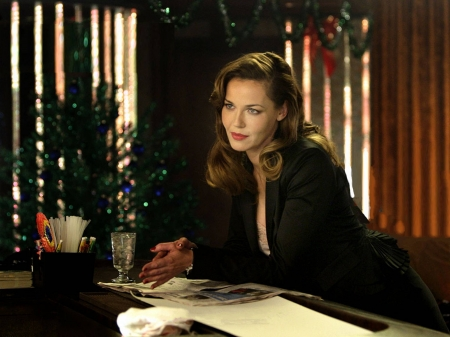 Connie Nielsen - Christmas, dress, model, Connie Nielsen, beautiful, Ice Harvest, Connie, actress, wallpaper, 2020, hot, drink, screen capture, desk, Nielsen