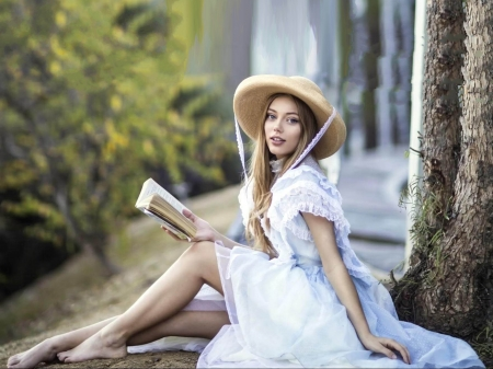 Grace Van Dien - dress, legs, model, book, Grace, beautiful, hat, actress, feet, wallpaper, Van Dien, Grace Van Dien, 2020, hot, white
