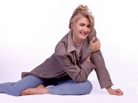 Laura Dern - Dern, Laura, Laura Dern, model, beautiful, smile, jeans, actress, jacket, wallpaper, 2020, hot, foot
