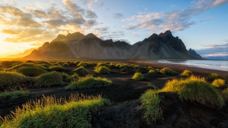 Black Sand Beach In Iceland Sunsets Nature Background Wallpapers On Desktop Nexus Image 2562076