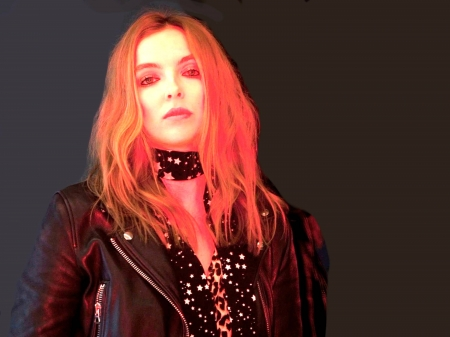 Jodie Comer - red, Jodie Comer, English, black leather, model, closeup, blouse, beautiful, Comer, hair, jacket, actress, wallpaper, 2020, scarf, Jodie, hot