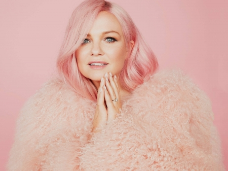 Emma Bunton - model, closeup, Bunton, Emma, beautiful, coat, hands, actress, wallpaper, 2020, hot, Emma Bunton, face, fur