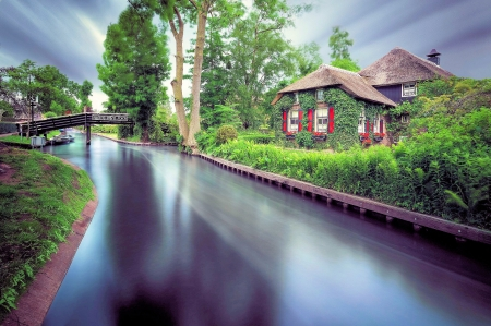 Giethoorn, Netherlands - house, canal, rain, sky, clouds, trees