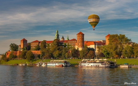 Wawel Castle, Krakow, Poland - castle, Wawel, royal, hot air balloon, Poland, Krakow, river