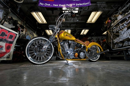 2019 Southwest Choppers Softail - Bike, Custom, Chrome, Gold