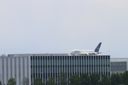 landing on the rooftop - landing, Aircraft, A 380, Airbus