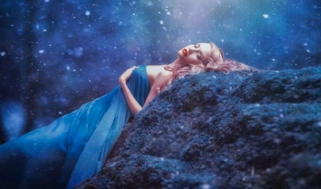 Beautiful and Dreamy Model - Fashion model, unearthly, sensual, night sky, Alluring, blonde, beautiful, Dreamy, feminine, blues, face, blue