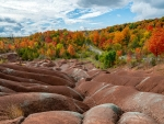 Autumn at Cheltenham Badlands