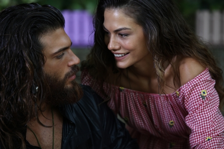 Erkenci Kush ( 2019 ) - erkenci kush, actor, couple, Demet Ozdemir, sanem, man, can, lovers, actress, girl, turkish, tv series, Can Yaman