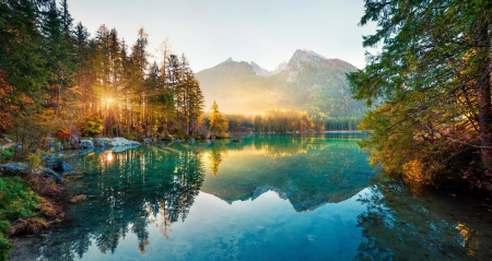 Autumn sunrise - Austria, glow, autumn, view, picturesque, incredible, lake, Europe, rays, sunrise, morning, reflection, Germany, Bavaria, fall, Alps, border, mountain