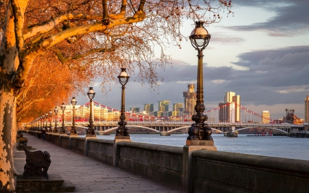 Promenade in London - UK, promenade, London, lanterns, bridge, Thames