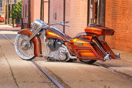 A ONE-OFF, CUSTOM ENGRAVED, 2006 HARLEY DAVIDSON ROAD KING