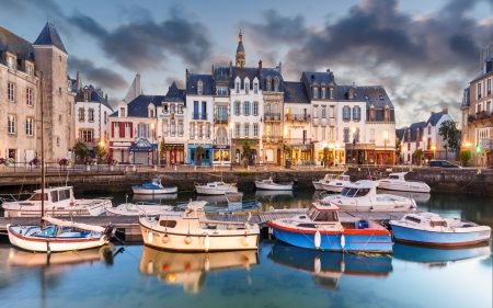 France-Le-Croisic - architecture, le croisic, boats, france, houses, town, sea, photograpy
