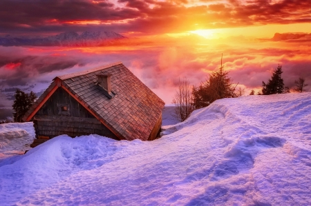 Morning sky - red, house, dawn, view, cabin, clouds, sky, winter, mountain, snow, sunrise, morning, wooden