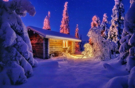 Wooden house in mountain - stars, house, hut, cabin, beautiful, sky, winter, lights, mountain, snow, frost, wooden, night