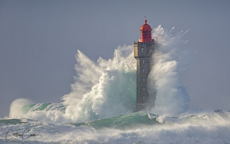 Lighthouse in Storm - France, storm, wave, lighthouse, sea