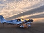 Airplane Cirrus sr22