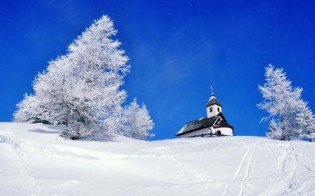 Winter church - winter, snow, slope, beautiful, sky, church, frost