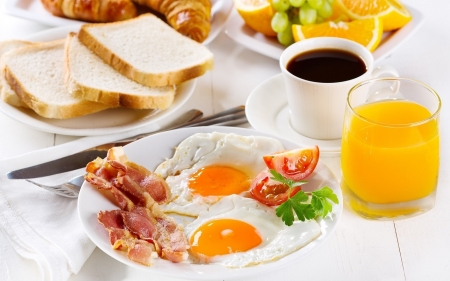 Breakfast - eggs, bred, breakfast, coffee, juice