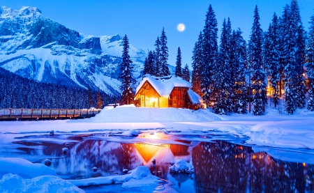Winter cabin - forest, Emerald, cabin, beautiful, trees, lake, winter, moon, Columbia, snow, national park, ice, evening, reflection, frost, light