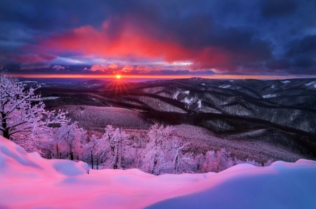 Winter sunset - purple, snow, view, sunset, lake, winter, frost, beautiful, sky, mountain