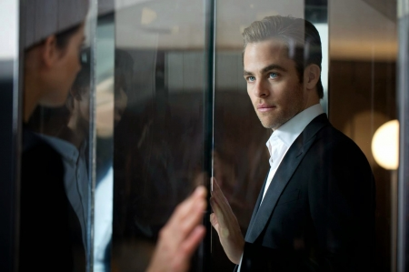 Chris Pine - glass, man, chris pine, actor