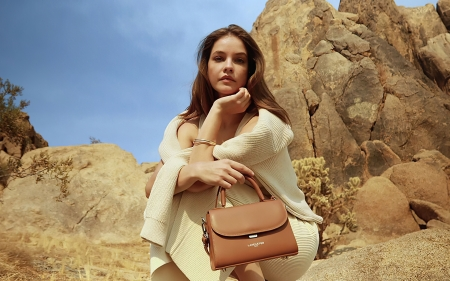 Barbara Palvin - bag, Barbara Palvin, girl, model
