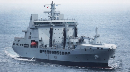 WORLD OF WARSHIPS RFA TIDESURGE - cranes, relief missiions, crew of 63, Replenishment ships, over 34000 tons, RN support
