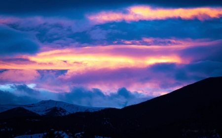 A beautiful sunset in Montana - landscape, usa, mountains, colors, sky, clouds