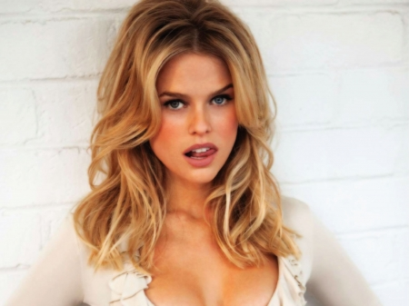 Alice Eve - Alice Eve, Beauty, Blondes, Blonde