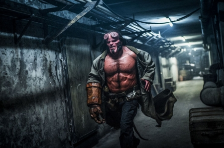 HELLBOY - tunnel, demon, hellboy, savoir