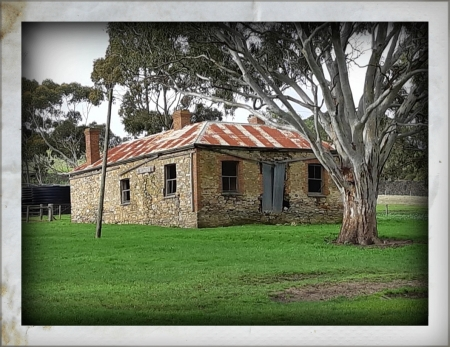 OLD HOUSE...AUSTRALIA - IMAGE, BUILDING, HOUSE, OLD