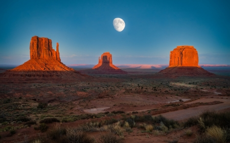 Monument Valley at Moonrise - Monument Valley, rocks, America, desert, Moonrise