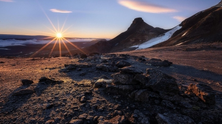 Sunrise over Vatnajoekull - Iceland's Interior - mountains, landscape, rocks, sun, morning, sky
