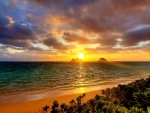 Sunrise in Lanikai Beach, Hawaii overlooking the Twin Islands
