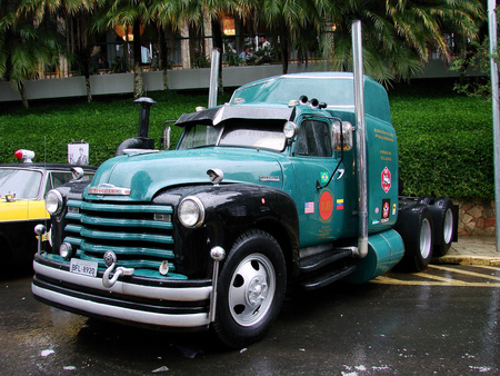 Old Three Axle Chevy Truck Chevrolet Cars