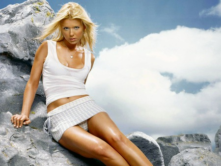 Tara-Reid - model, tara-reid, people, woman, famale, actresses