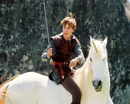 Sir Peter: Knight of Narnia - knight, cinema, battles, animals, movies, the chronicles of narnia, narnia, movie, swords, horse, photo