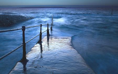 Lost Way Sea-Entry - widescreen, lost, water, sea, new, way, strand