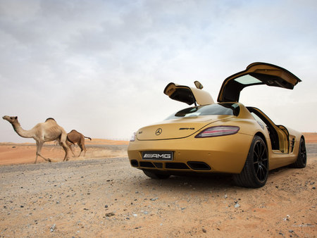 The Mercedes Benz Sls Amg In Dubai Mercedes Cars Background
