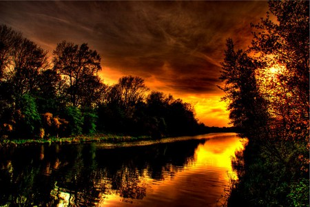 Amber Sunset - colorful, wonderful, rivers, image, sun, background, customized, swell, brown, orange, branches, hdr, pines, amber, fulscreen, paysage, fire, land, autumn, lakes, sky, water, summer, sunlights, ambar, sunrises, scene, photoshop, woods, forests, scenery, leaf, clouds, black, scenario, leaves, grass, grasslands, photography, golden, sunsets, paisage, panorama, paisagem, cenario, gold, red, creeks, pond, plants, landscape, lagoons, colors, trees, yellow, wallpaper, cena, trunks, wawes, green, picture, photo