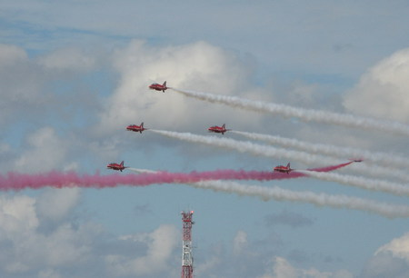 Its Close!! - diplay teams, red arrows, raf, jets