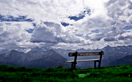 Amazing View - scenic, grass, beautiful, clouds, break, picture, blue skies, photography, splendor, green, heaven, grey, peaks, beauty, chair, reflection, hill, amazing, rest, view, relax, scencery, bench, park, sky, paradise, mountains, peaceful, nature, white, landscape, meditation